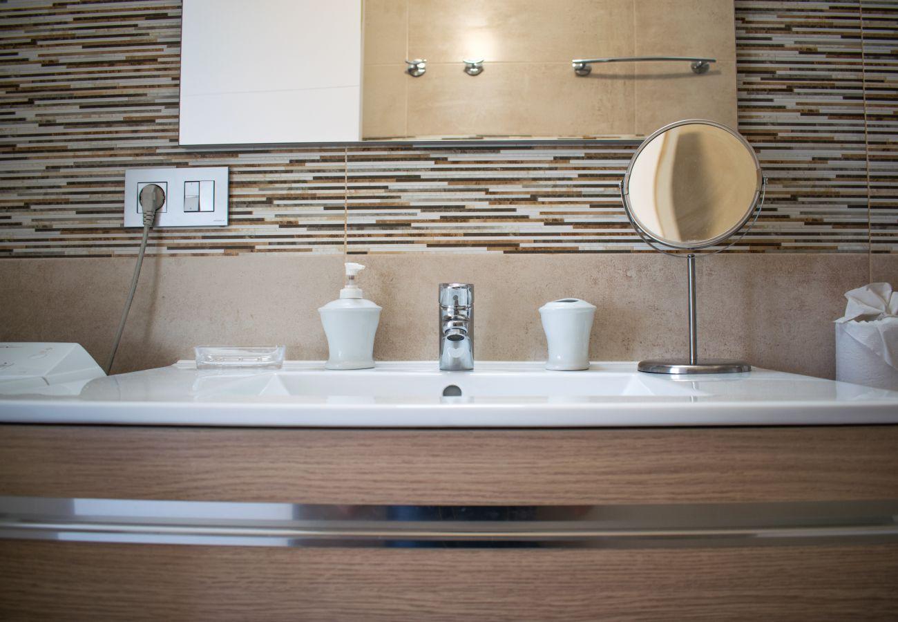 Apartamento en Callao Salvaje - Ancla views FREE WIFI