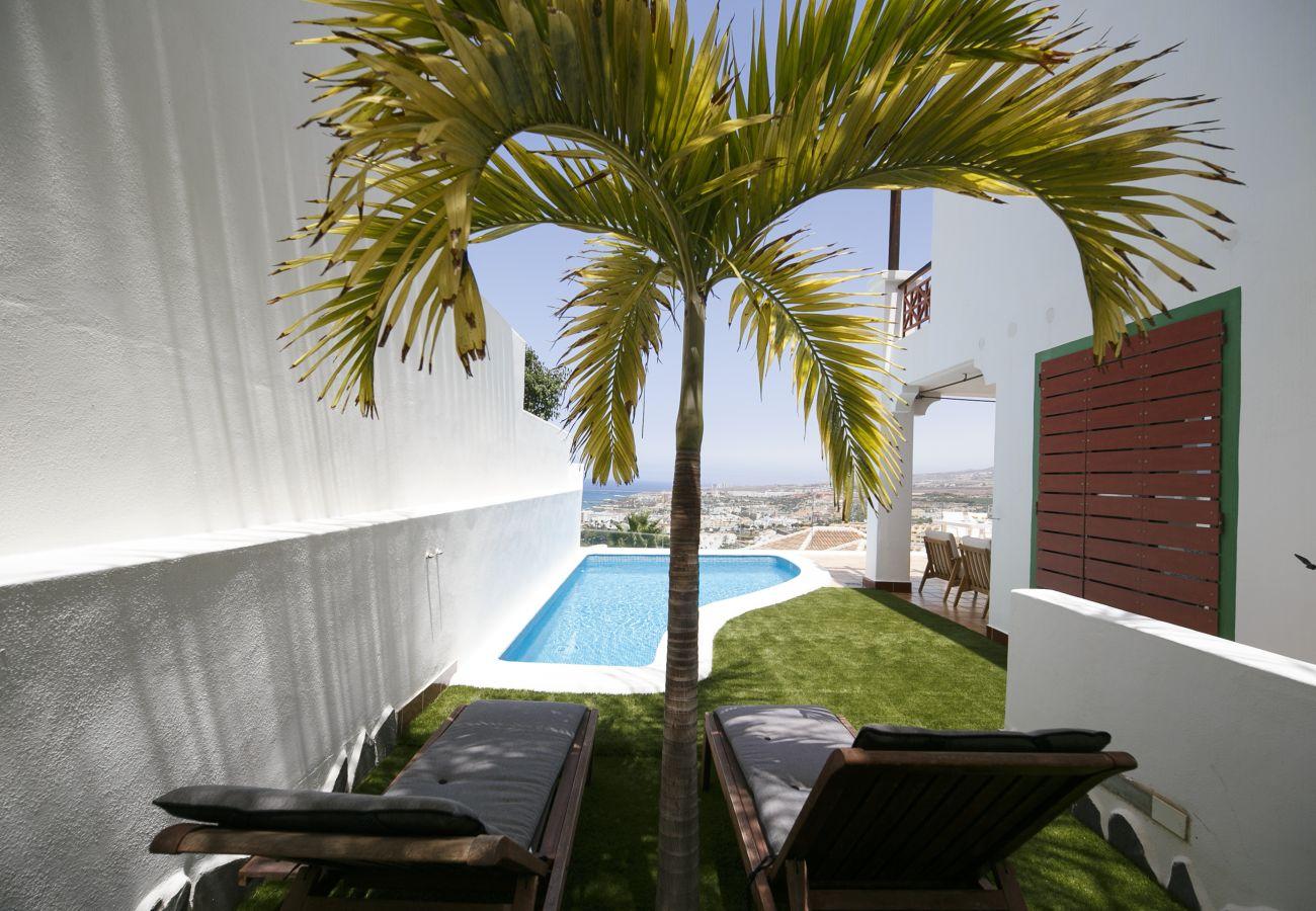 Villa en San Eugenio - Villa private pool FREE WIFI