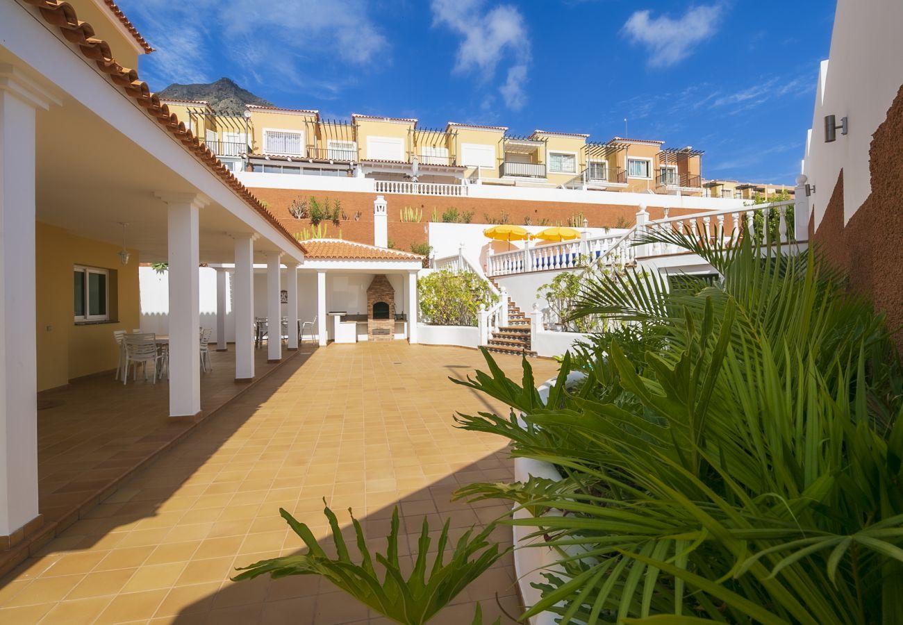 Villa en Adeje - Amazing Villa Sea View FREE WIFI