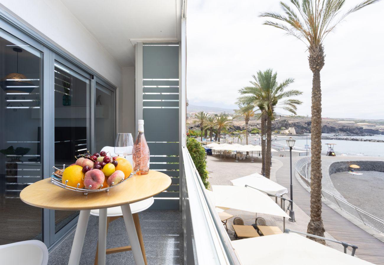 Apartamento en Playa de San Juan - Touching the Sea FREE WIFI