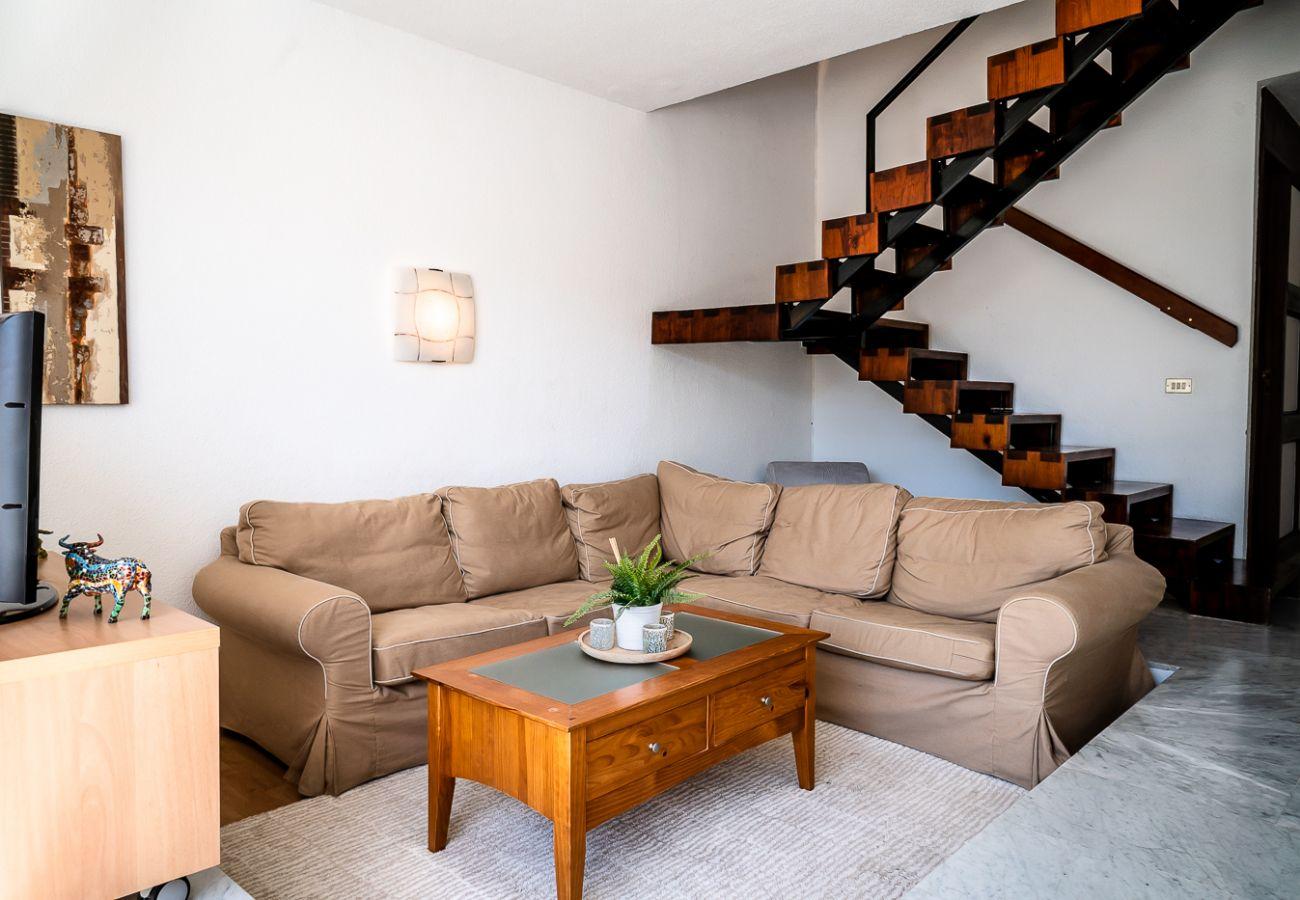 Casa adosada en Playa de Las Americas - Duplex Rebeca FREE WIFI