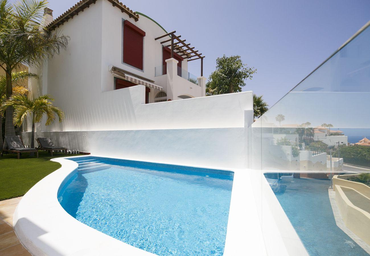 Villa in San Eugenio - Villa private pool FREE WIFI