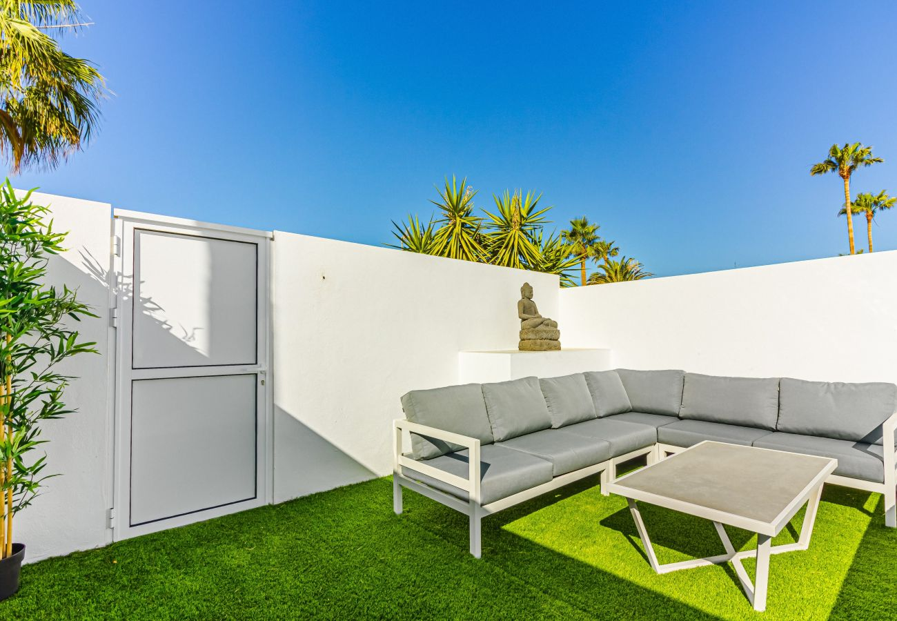 Townhouse in Callao Salvaje - Chill Out House FREE WIFI