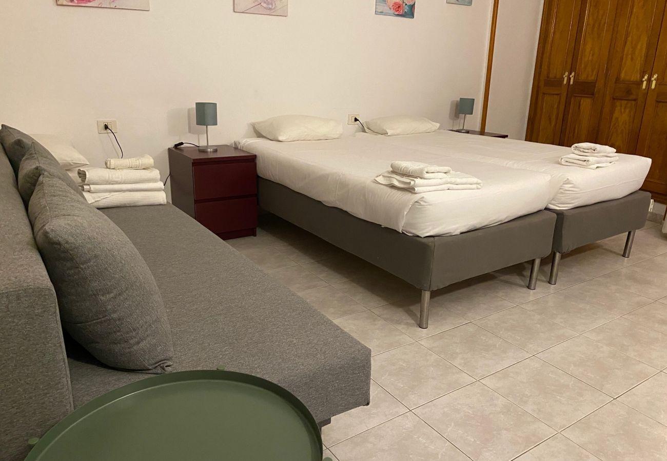 Appartement à Los Cristianos - Centric Cosy Studio FREE WIFI